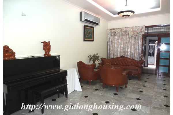 Park view house for rent in Hai Ba Trung district 4