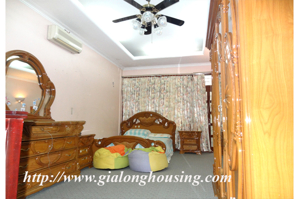Park view house for rent in Hai Ba Trung district 7