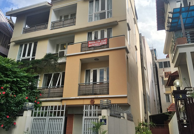 Partly furnished house in Dang Thai Mai for rent