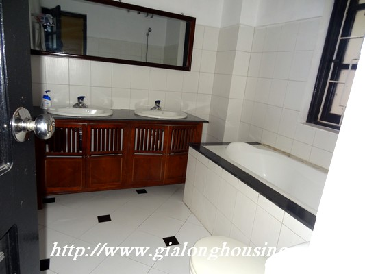 Partly house for rent in Nghi Tam Village 11