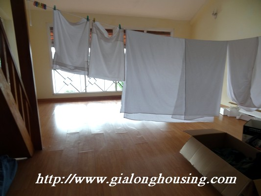 Partly house for rent in Nghi Tam Village 15