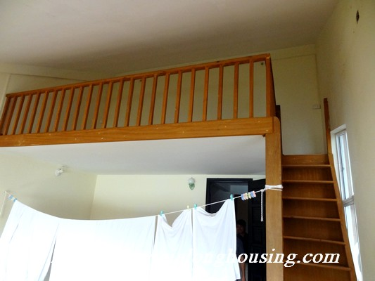 Partly house for rent in Nghi Tam Village 16