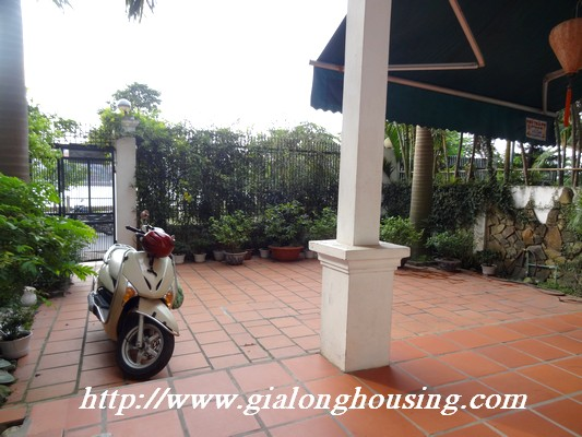 Partly house for rent in Nghi Tam Village 4