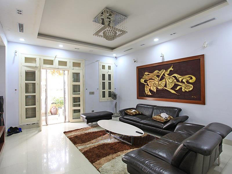 Renovated villa in T block - Ciputra for rent