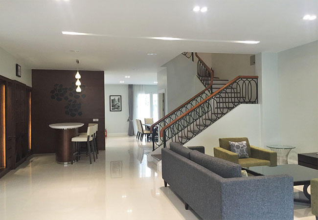 Semi-detached villa in Hoa Sua road, Vinhomes Riverside