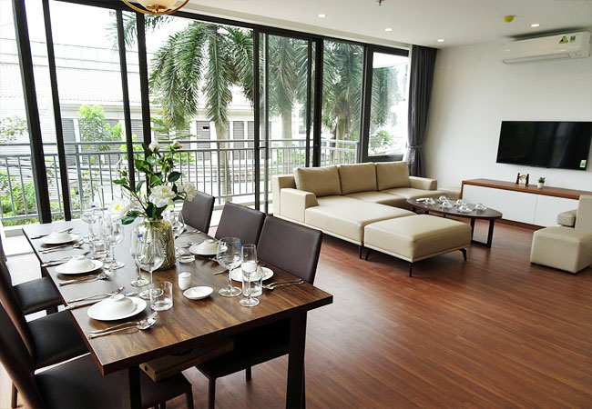 Spacious 03 bedroom apartment for rent inTu Hoa Str, Tay Ho