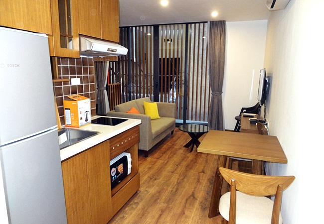 Studio apartment with bathtub in Tay Ho street
