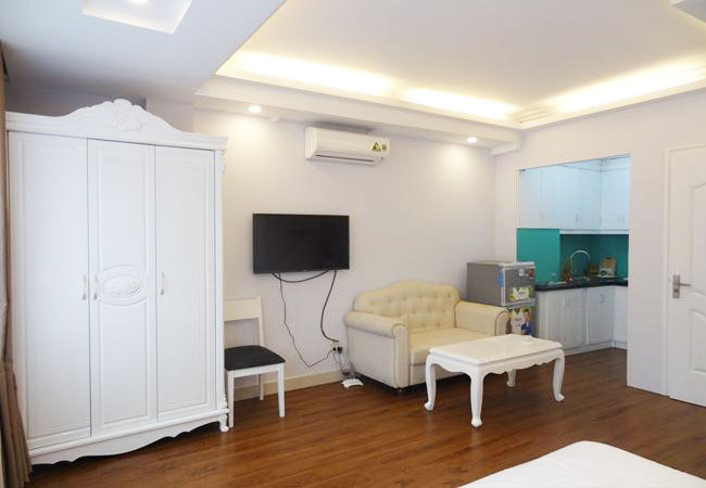 Studio serviced apartment in Trung Kinh, near Tran Duy Hung