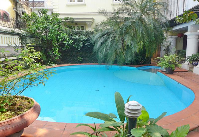 Swimming pool fully furnished villa in To Ngoc Van for rent