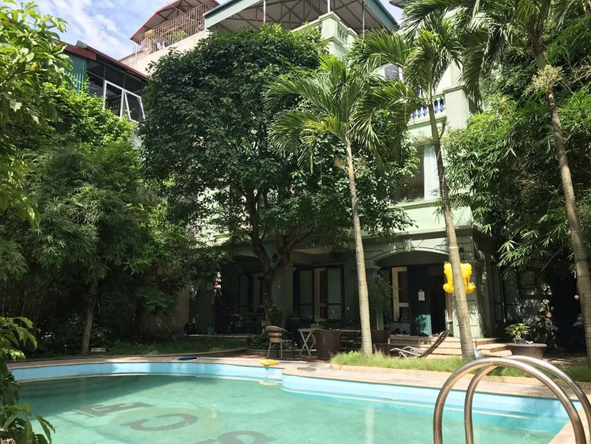 Swimming pool villa for rent in Doi Can, Ba Dinh district