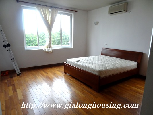 Tay Ho nice house for rent 10