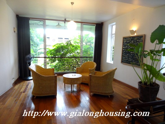 Tay Ho nice house for rent 14