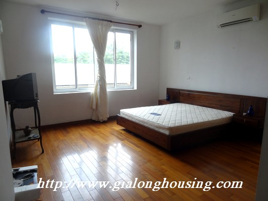 Tay Ho nice house for rent 7