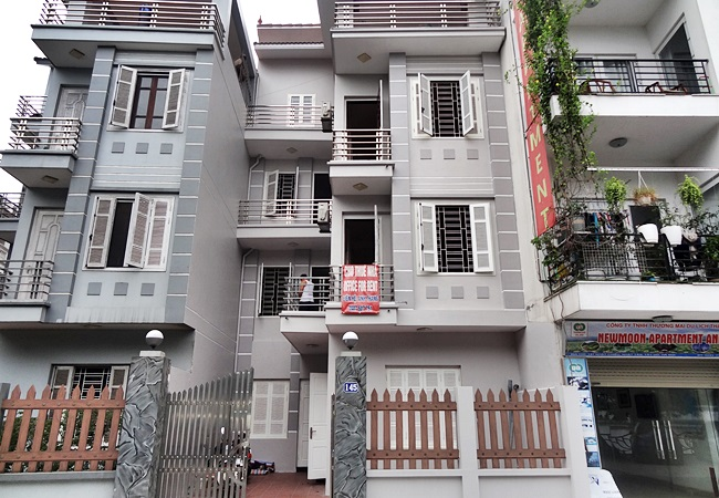 Unfurnished house for rent in Nhat Chieu, near Tay Ho water park