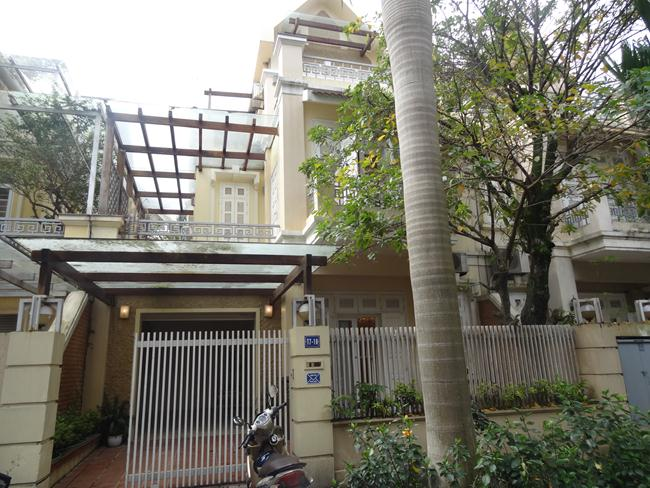 Unfurnished villa in T block  of Ciputra urban area for rent