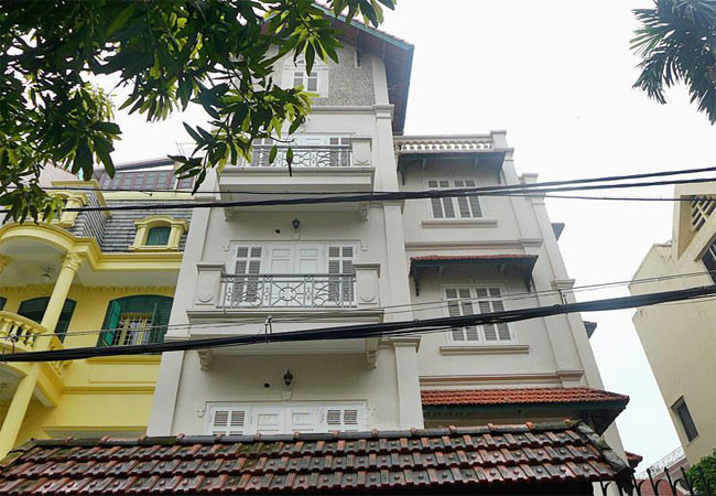 Unfurnished villa with indoor swimming pool, To Ngoc Van