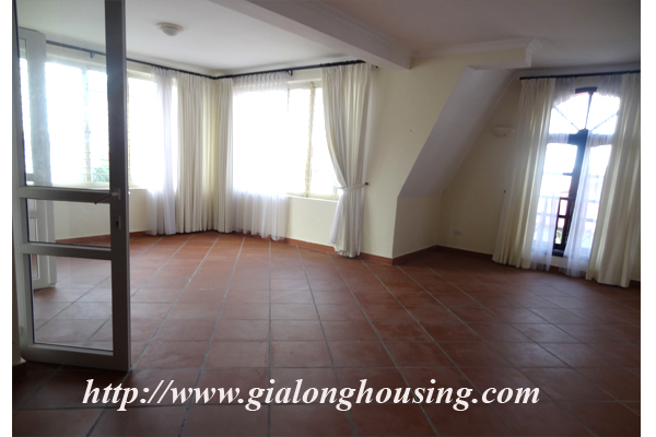 Villa for rent with large garden and yard in Tay Ho, Hanoi 2