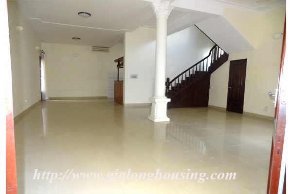 Villa for rent with large garden and yard in Tay Ho, Hanoi 7