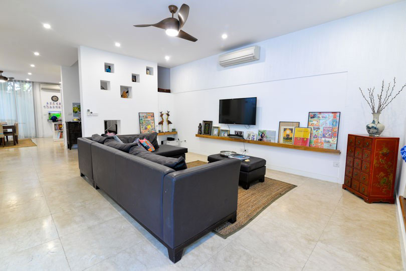 Villa in T block with modern furniture for rent - Ciputra urban area