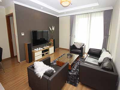 Vinhome Nguyen Chi Thanh apartment with 3br rent out on best price