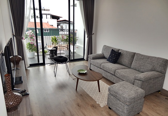 Very good apartment for rent in Xuan Dieu, Hanoi priced just 1100$